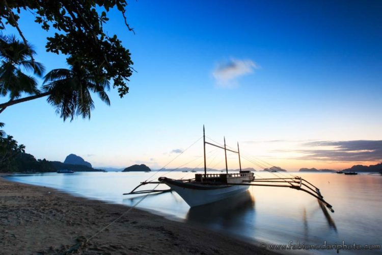 Sunset at Corong Corong beach, El Nido, Palawan in the Philippines