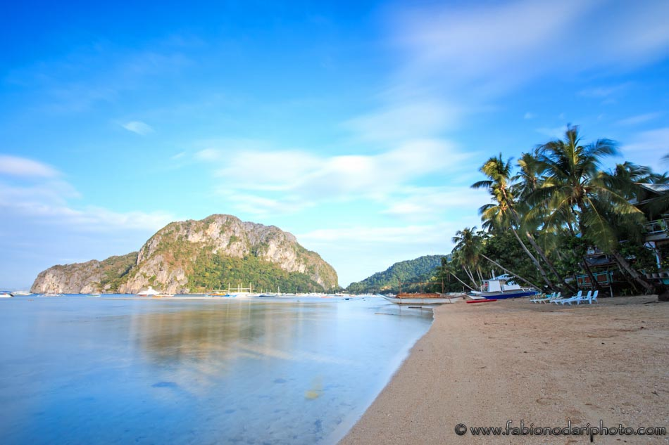 Sunrise at Corong Corong beach, El Nido, Palawan in the Philippines