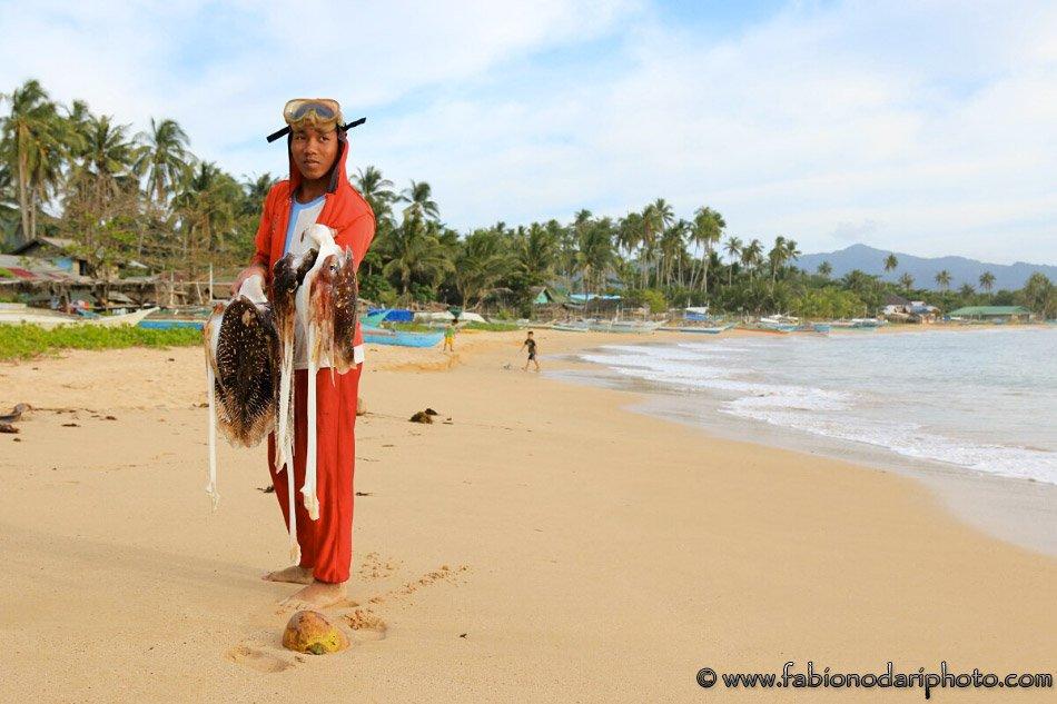 fisherman nacpan philippines