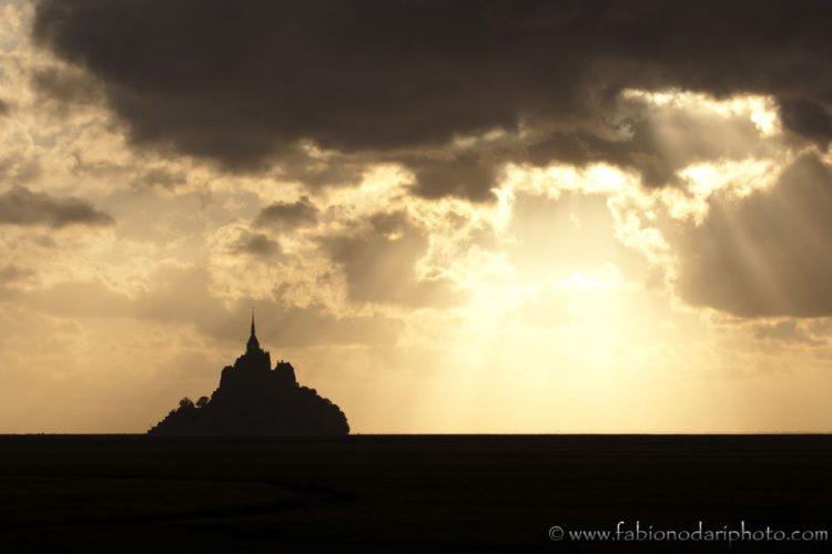 tramonto in normandia e bretagna a Mont Saint Michel