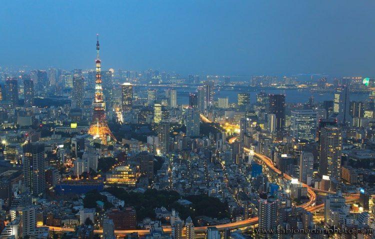 tokyo di notte visto dalla mori tower