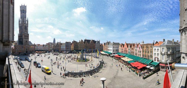 piazza del mercato bruges