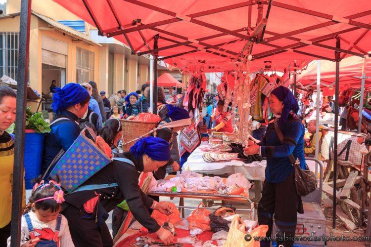 mercato di shengcun a YuanYang